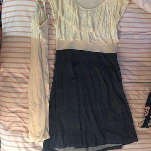 Dresses & Skirts - Super Cute lightweight summer dress with slip